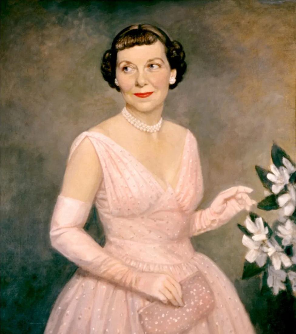 Mamie Eisenhower representaba en apariencia la domesticidad de la clase media, pero en realidad desafiaba las convenciones
