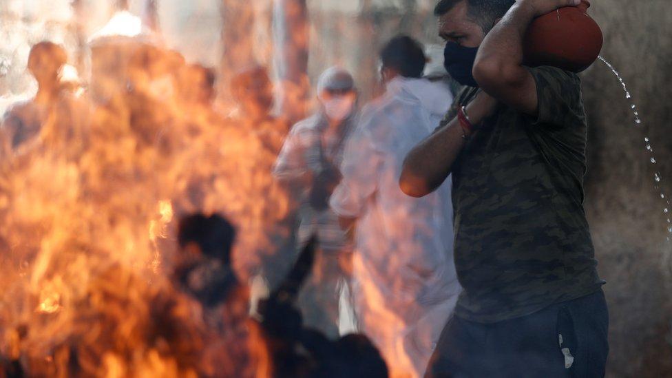 孟買醫院重症監護室發生火災,至少有13名患者死亡。