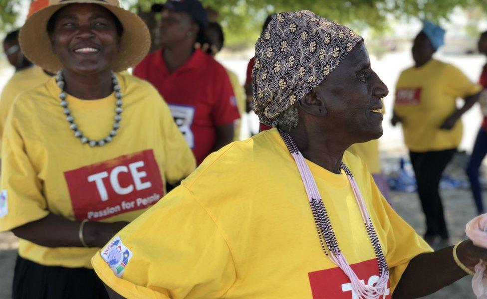 سيدات يرقصن في ناميبيا