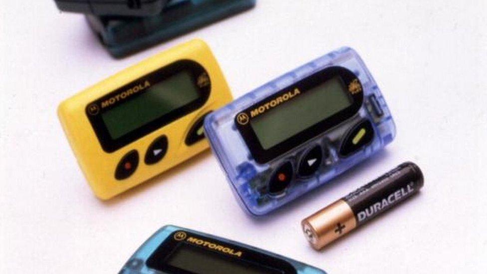 Motorola pejdžer iz 1998. godine