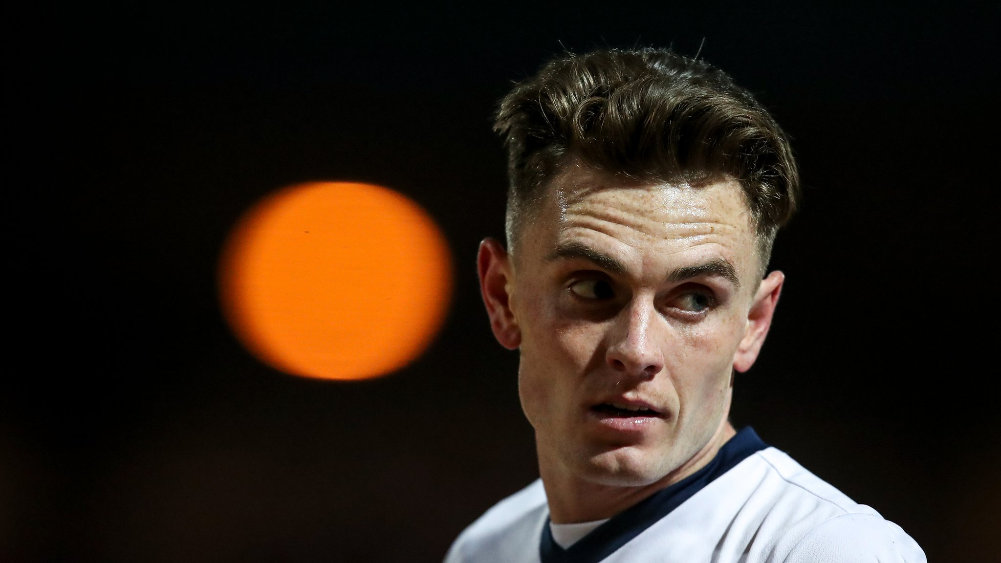 Ben Thompson: Portsmouth sign Millwall midfielder on loan