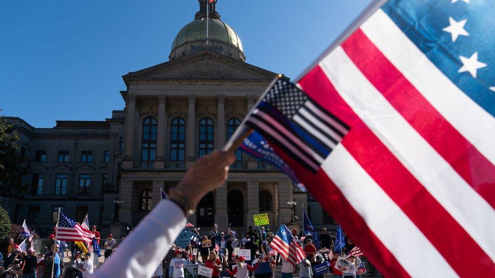 El 14 de noviembre, seguidores del presidente Trump se movilizaron en Georgia para manifestar su rechazo a los resultados electorales.