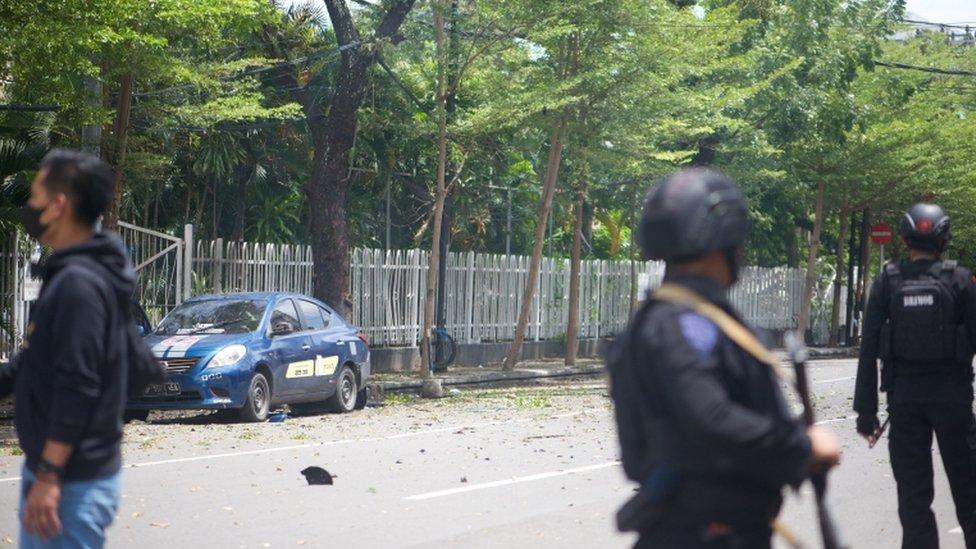 شرطة مكافحة الارهاب قرب الكنيسة المستهدفة