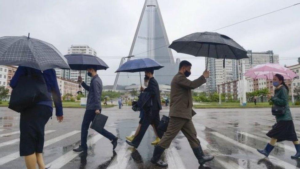 أغلقت كوريا الشمالية حدودها وعزلت آلاف الأشخاص منذ ستة أشهر