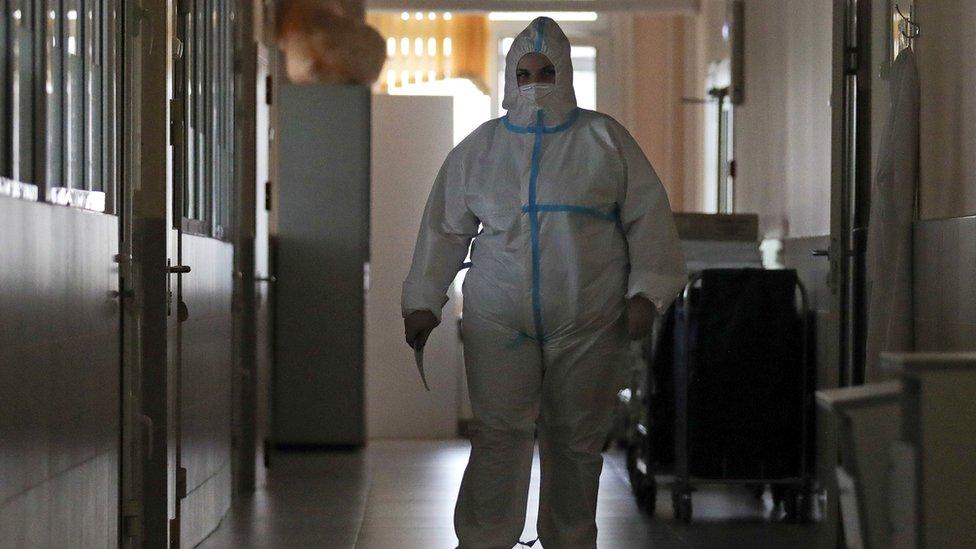 Подготовка к второй волне. Как в России вновь перепрофилируют больницы под коронавирус