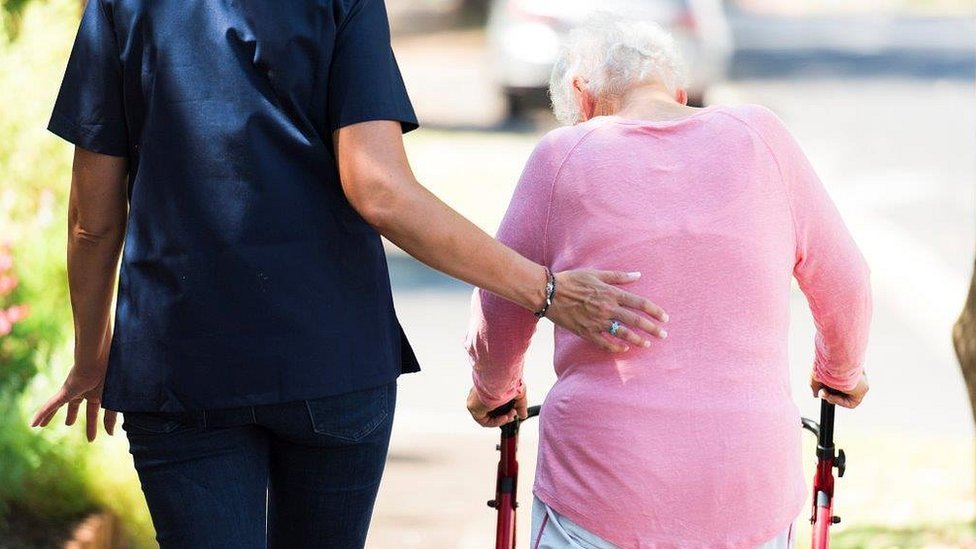 Care job vacancies in England rise to 110,000