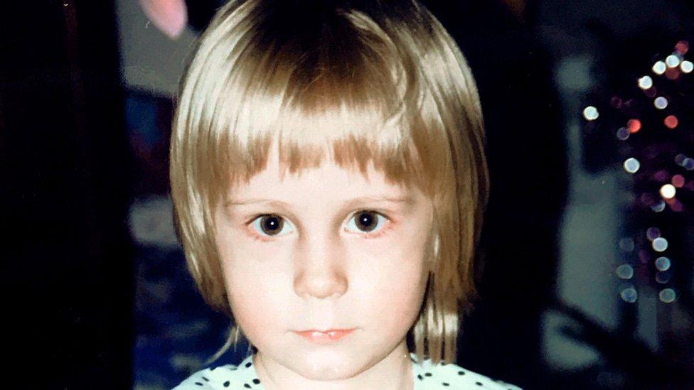 Iryna siendo niña.