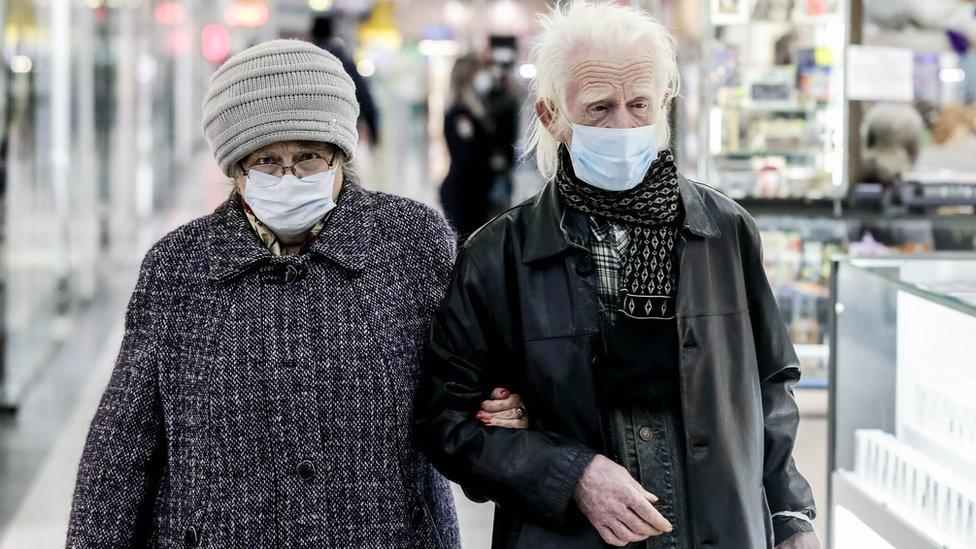 В России за сутки впервые умерло больше 1 100 пациентов с Covid-19