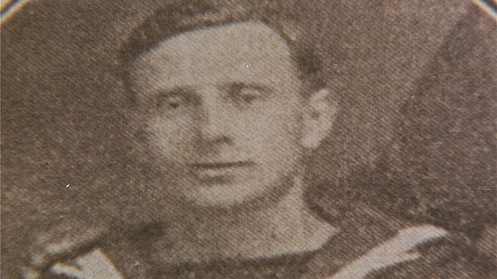 John Finlay Macleod managed to get a rope to shore and saved about 40 people