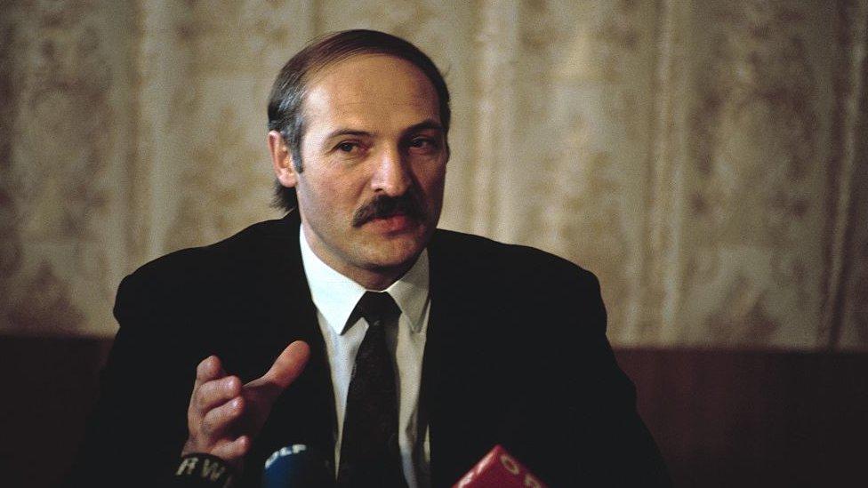 Lukashenko en 1995, un año después de llegar a la presidencia.