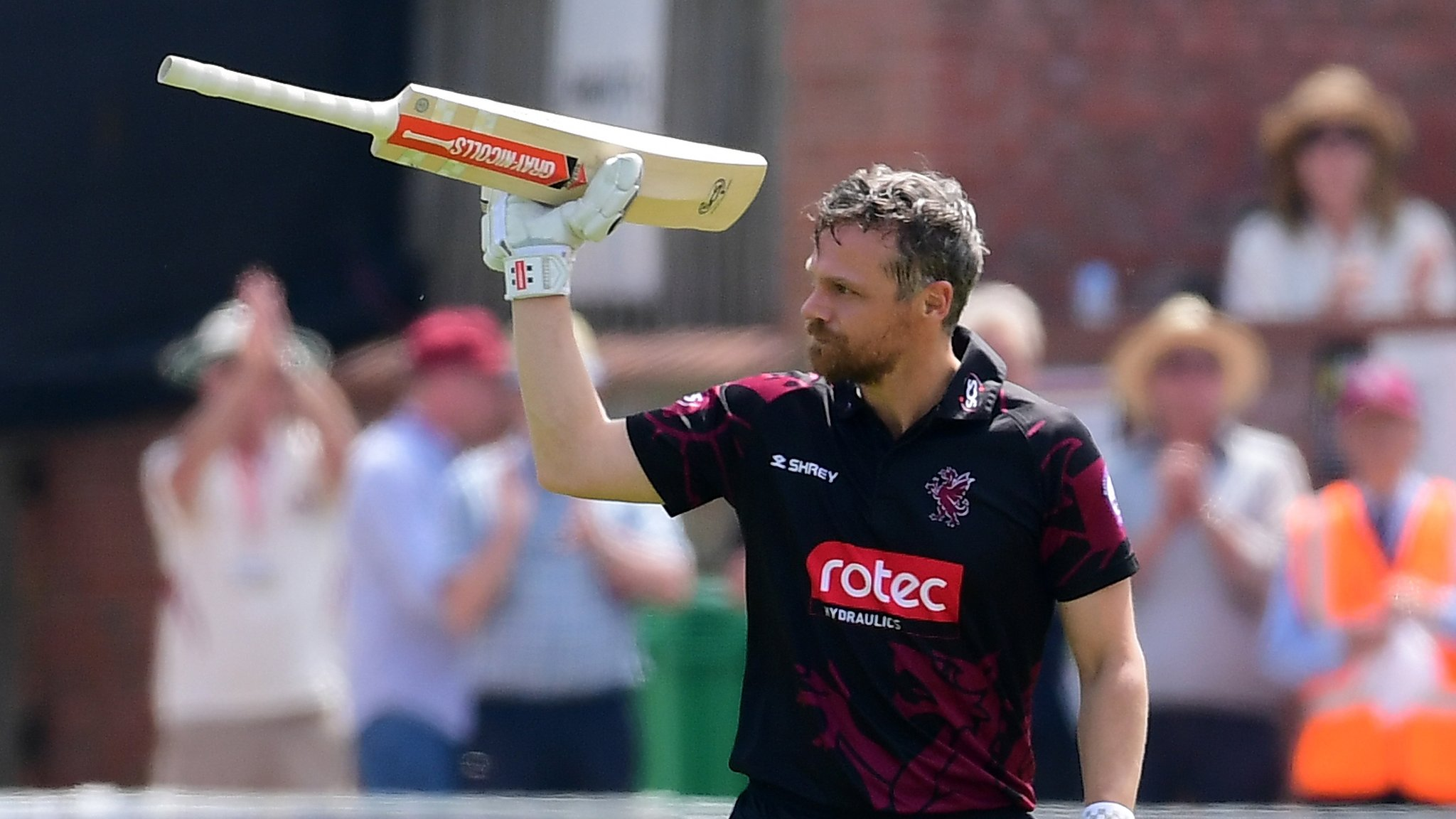 One-Day Cup: Hildreth best earns Somerset win over Glamorgan
