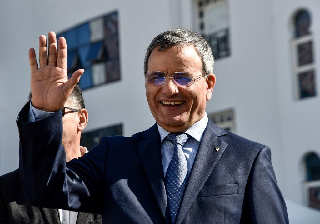 الجنرال المتقاعد في الجيش الجزائري علي غيديري (64 عاما) أول من أعلن ترشحه لانتخابات الرئاسة الجزائرية