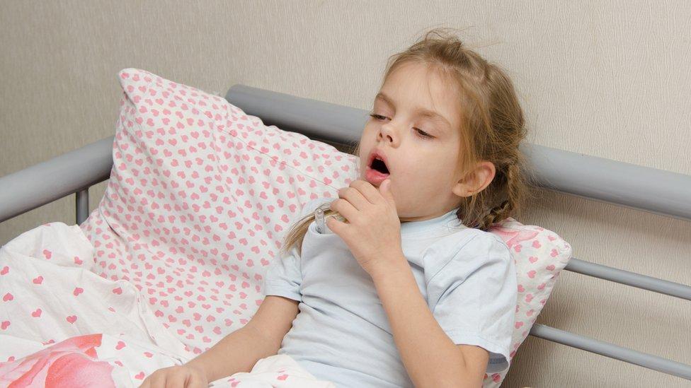Niña enferma