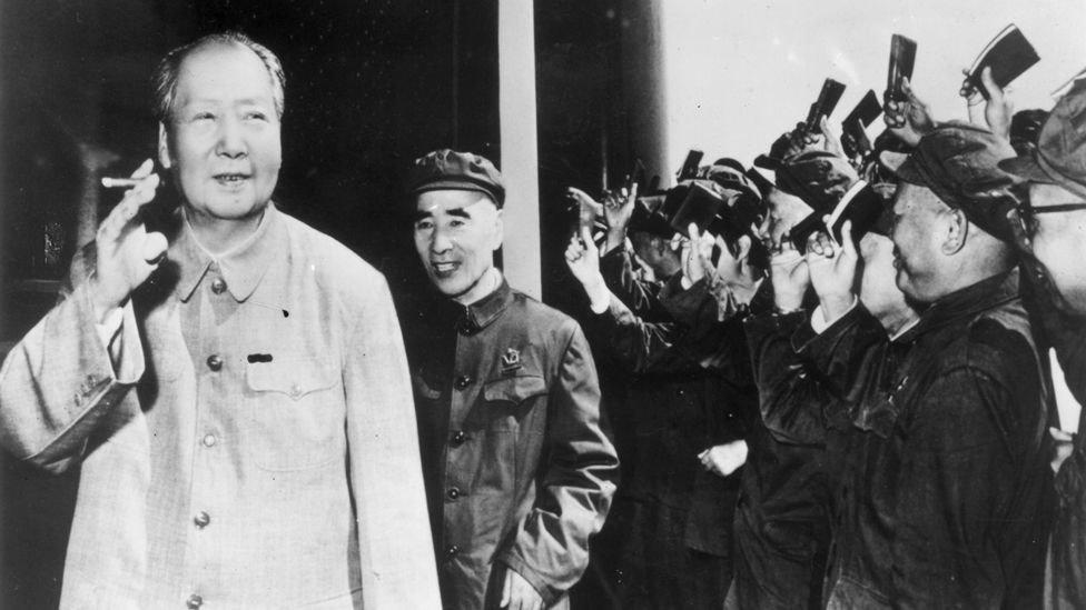 ظل ماو زعيما للحزب الشيوعي الصيني حتى وفاته