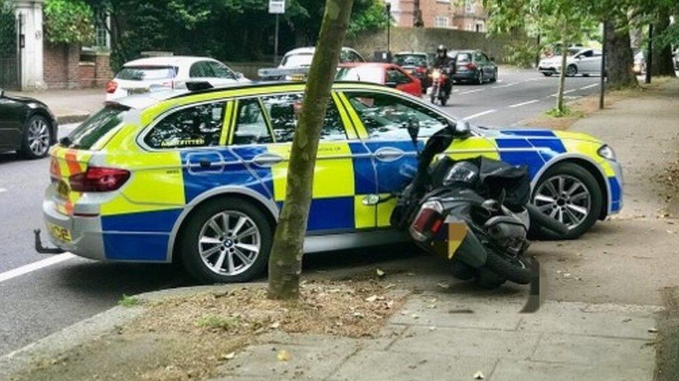 Met police car