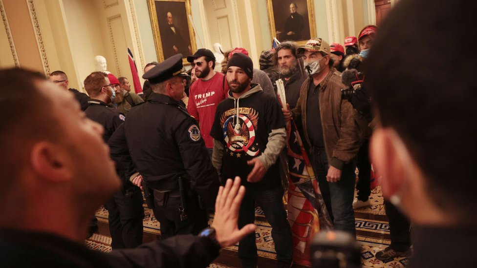 Pro-Trump protesters break in to the US Capitol