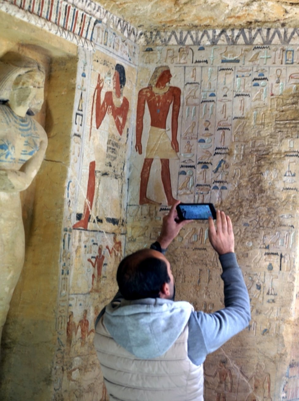 Según los expertos, los colores de la tumba han sobrevivido inusualmente bien durante casi 4.400 años.