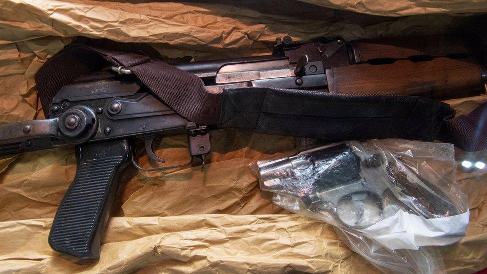 Saldırıda kullanılan silahlar,