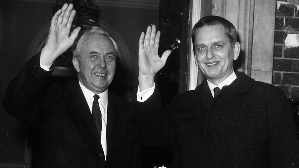 Palme i britanski premijer Harold Vilson - fotografija iz 1970.