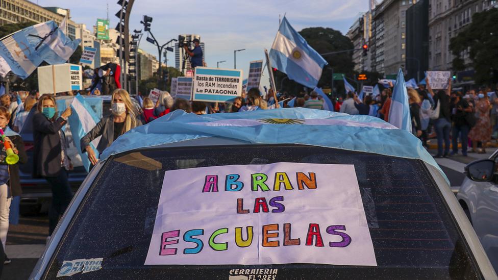 Protesta contra el cierre de las escuelas en Buenos Aires