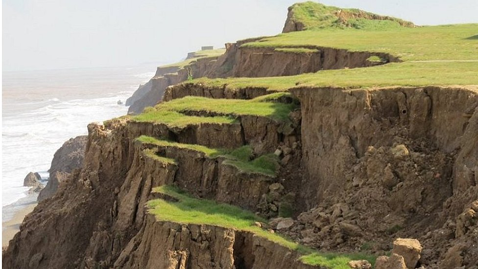 Holderness coast: Major cliff landslides 'every six years'