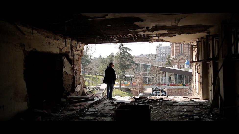 Čolović kod srušene zgrade Radio-televizije Srbije