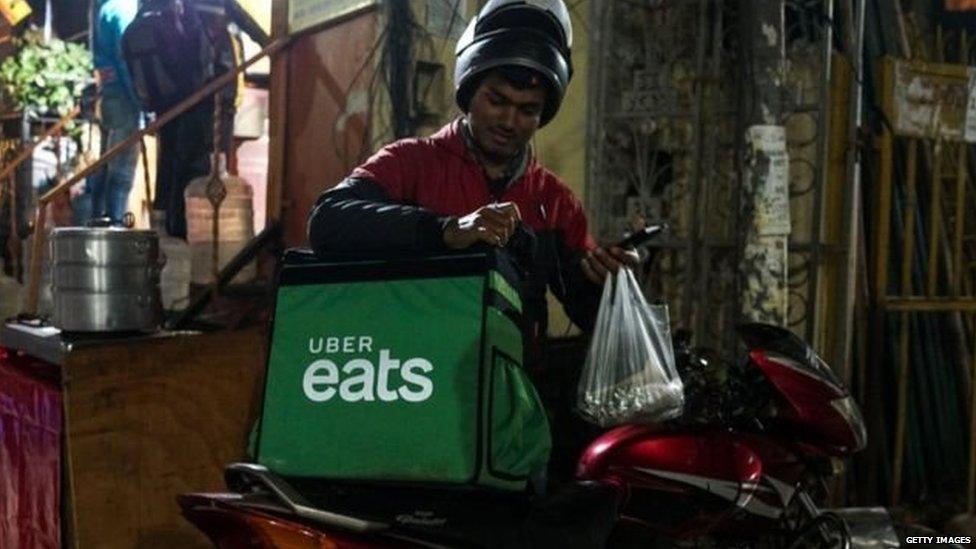 ऊबर ईट्स (Uber Eats) ने ज़ोमैटो को बेचा भारत का कारोबार और अमित मालवीय को एक करोड़ का नोटिस