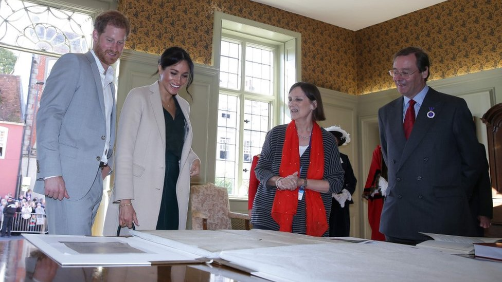 The Duke and Duchess view the Sussex copy of the American Declaration of Independence