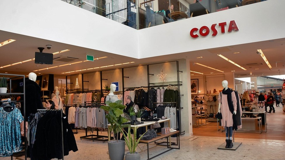 Next store with Costa concession