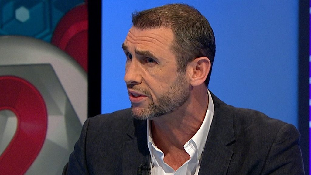 Match of the Day 2: Man Utd had no leaders at Everton - Martin Keown