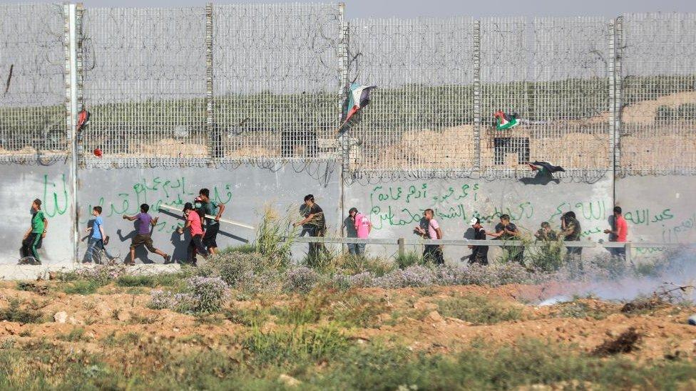 Muro y gente