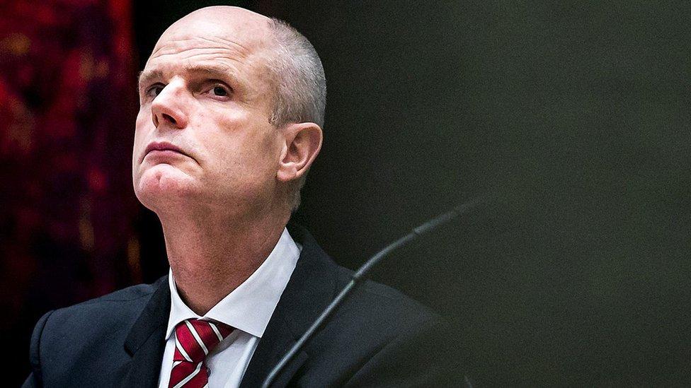 وزير الخارجية الهولندي ستيف بلوك قدم خطابا إلى البرلمان