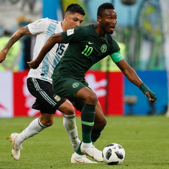Mikel jugó todo el partido contra Argentina, pero no pudo evitar la eliminación de Nigeria.