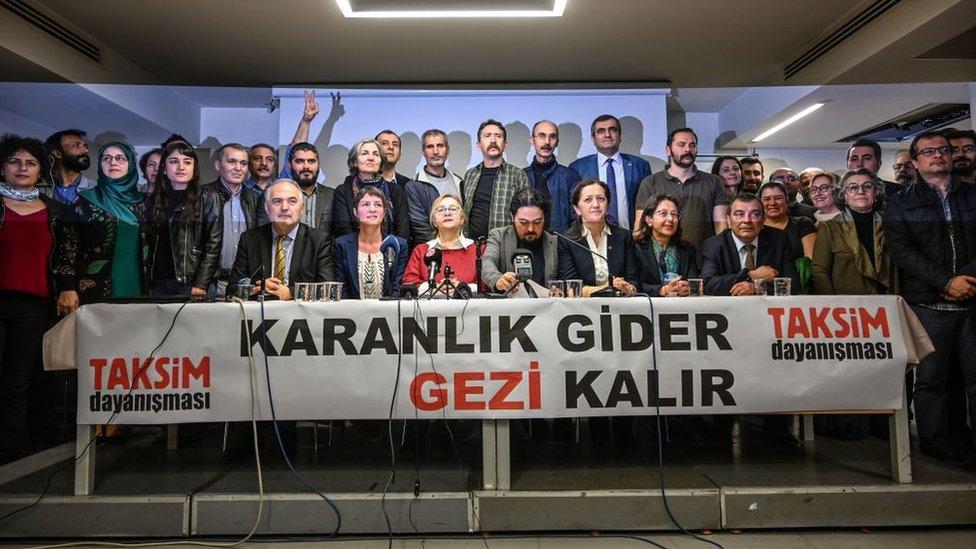 Gezi Parkı davasında yargılanan 16 kişi hakkındaki beraat kararı bozuldu