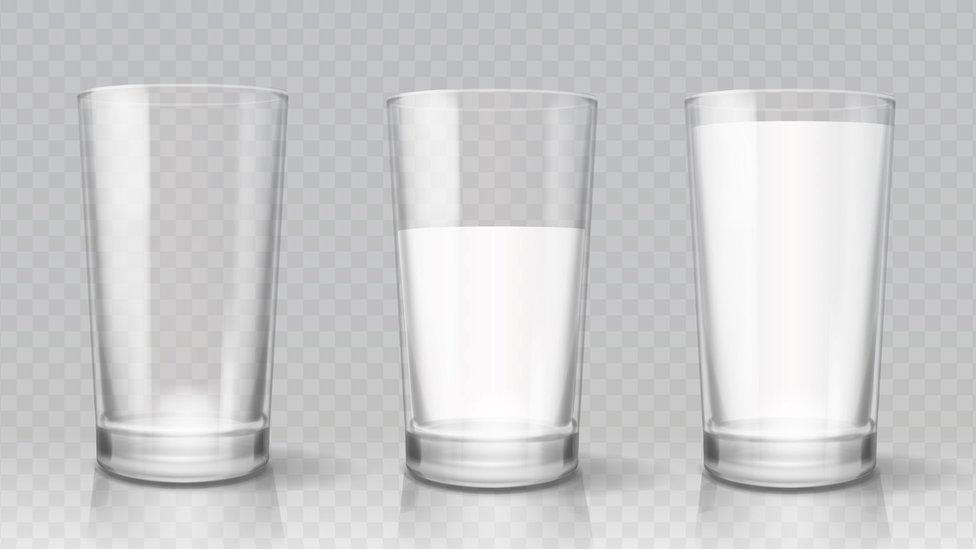Vasos de leche.