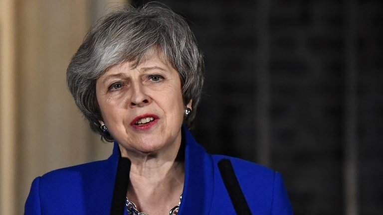Brexit: Theresa May pushes for cross-party consensus
