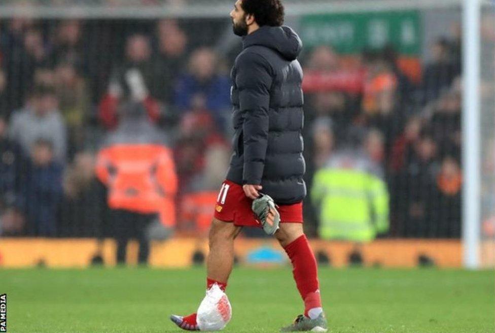 صلاح غادر الملعب مصابا بعد مباراة مانشستر سيتي