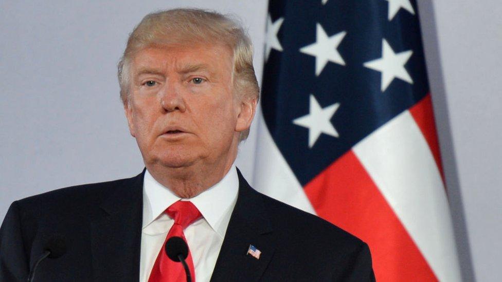 Trump mantiene una política proteccionista porque cree que Estados Unidos ha salido perjudicado de los acuerdos comerciales firmados en los últimos años.