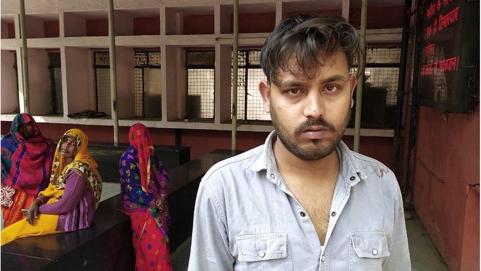 दिल्ली हिंसा के पीड़ित दो युवकों की कहानी