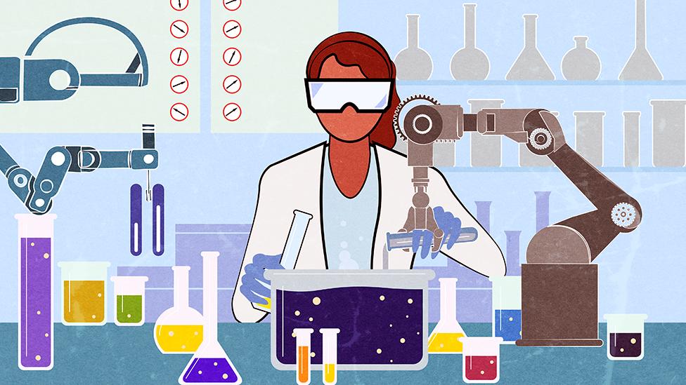 Naučnici mešaju hemikalije u laboratoriji