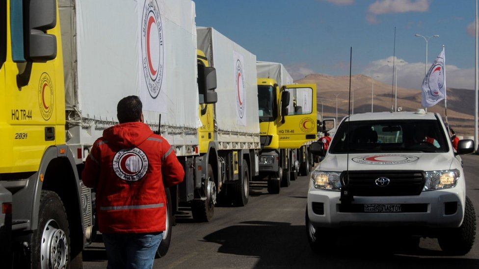 Photo posted by Syrian Arab Red Crescent showing lorries waiting to deliver aid to Kafr Batna and Saqba (30 October 2017)