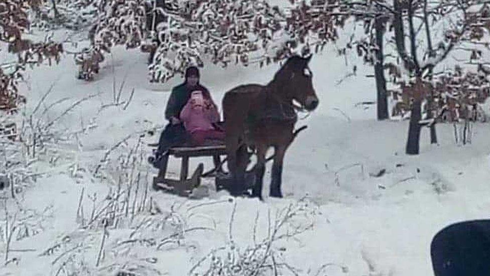 Može i po snegu da se ide u školu
