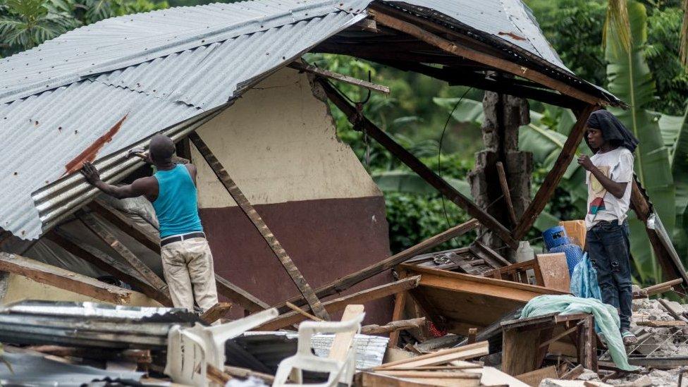 Casas destruidas por el terremoto en Haití