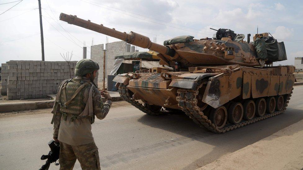 Эскалация в Сирии: в результате авиаудара погибли по меньшей мере 33 турецких военных. Турция ответила