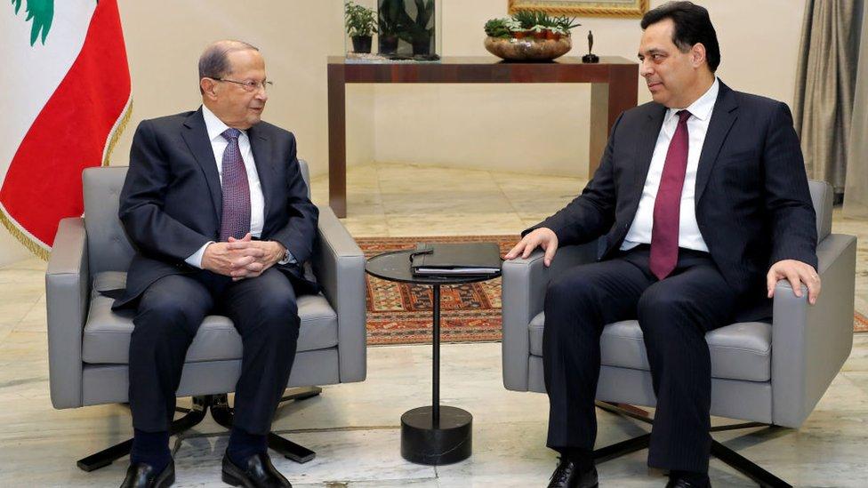 رئيس الوزراء حسان دياب ووالرئيس ميشال عون