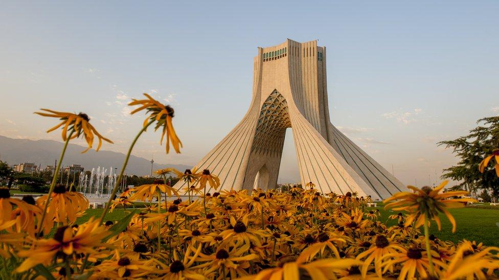 德黑蘭的阿扎迪塔(自由塔)
