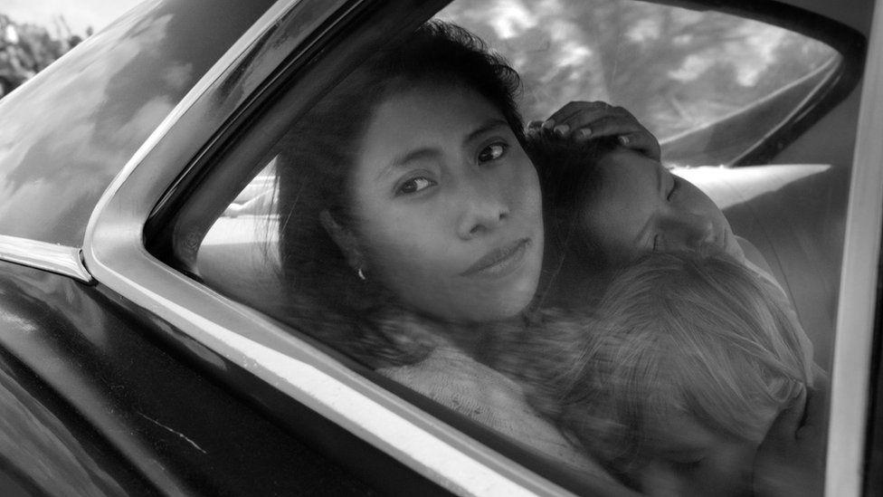 Yalitza Aparicio en una escena de la película Roma.