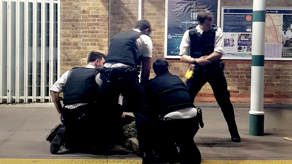 Tulse Hill station: Man with machete Tasered