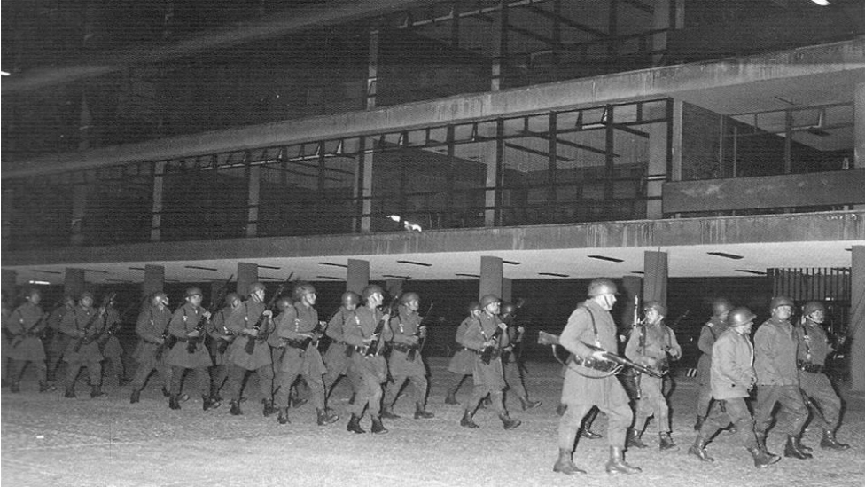 Soldados en la UNAM.