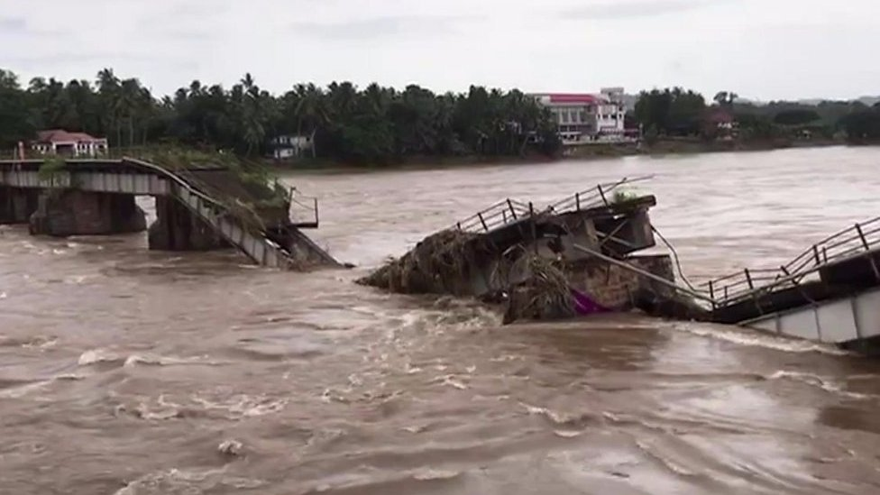 Kerala floods: Eyewitness accounts from BBC reporters
